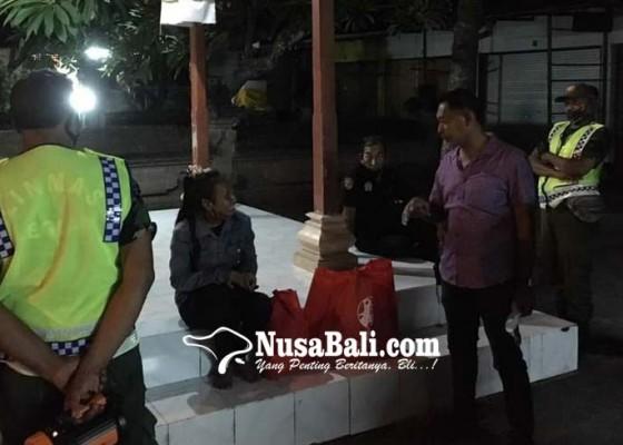 Nusabali.com - wanita-menggelandang-diamankan-di-legian