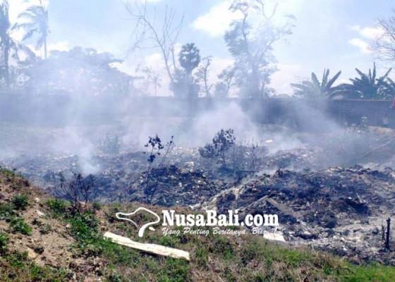 Nusabali.com - bakar-sampah-api-nyaris-hanguskan-pasar-senggol-kuta