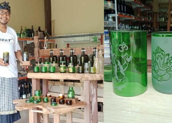 Nusabali.com - berawal-dari-iseng-sukses-sulap-botol-kaca-bekas-jadi-gelas-unik-dan-cantik