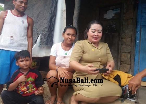 Nusabali.com - sulit-akses-internet-guru-datangi-rumah-siswa