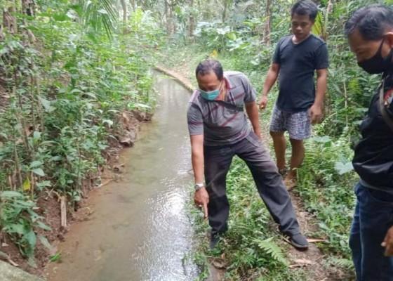 Nusabali.com - warga-bangun-lemah-tewas-di-saluran-irigasi