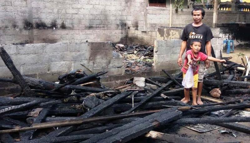 www.nusabali.com-rebus-ketupat-rumah-dan-motor-terbakar