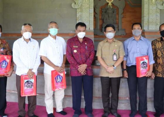 Nusabali.com - lepas-pejabat-yang-purna-tugas-pjs-bupati-ingatkan-tetap-berkarya-di-tengah-masyarakat