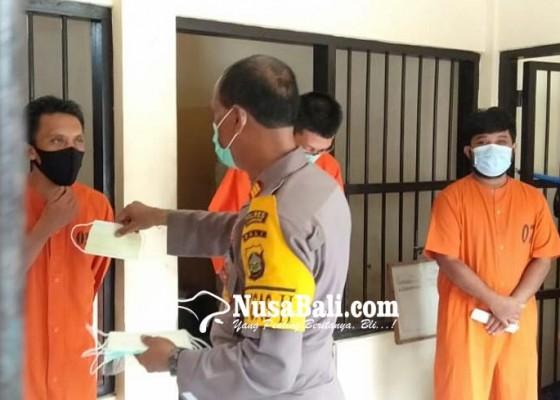 Nusabali.com - tahanan-wajib-swab-saat-dilimpahkan