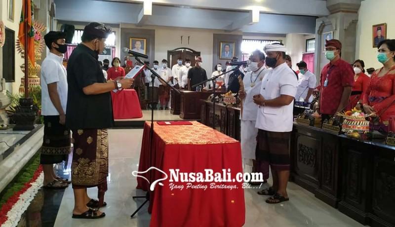 www.nusabali.com-dilantik-sendirian-oka-winaya-grogi