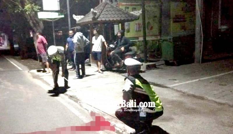 www.nusabali.com-jatuh-dari-truk-tukang-angkut-sampah-tewas