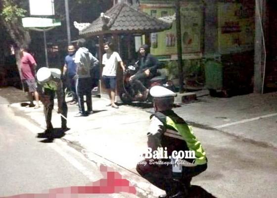 Nusabali.com - jatuh-dari-truk-tukang-angkut-sampah-tewas