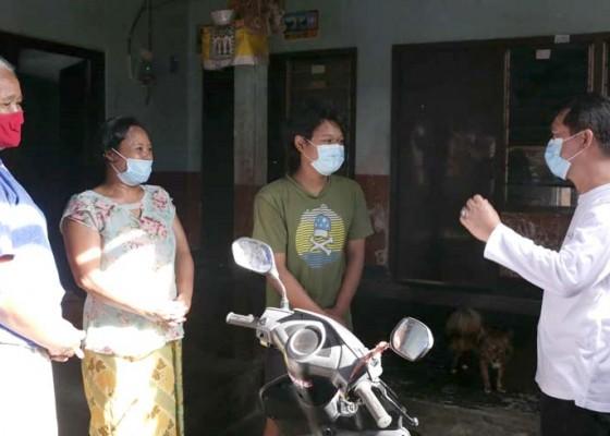Nusabali.com - bedah-kelurahan-bupati-suwirta-percepat-penanganan-kemiskinan-di-kota