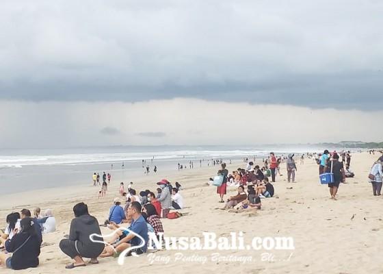 Nusabali.com - long-weekend-destinasi-wisata-bali-diserbu-wisatawan