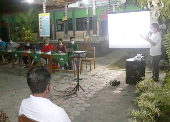 Nusabali.com - bupati-suwirta-sosialisasikan-pemasaran-rumput-laut