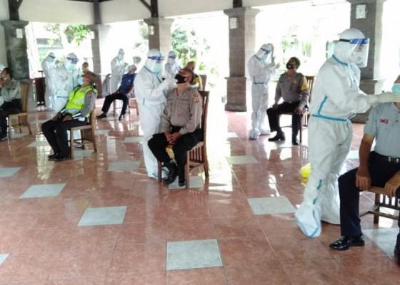 Nusabali.com - seluruh-personel-polres-jembrana-diwajibkan-tes-swab-covid-19