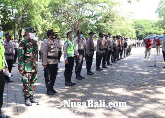 Nusabali.com - 790-polisi-kawal-sidang-rakyat-di-dprd-bali