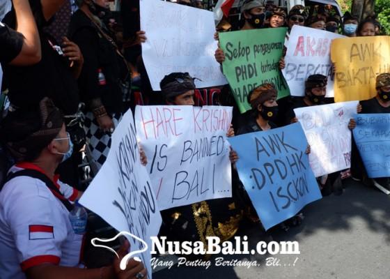 Nusabali.com - forum-komunikasi-taksu-bali-demo-awk-tuntut-bubarkan-hare-krishna-hingga-pelaporan-ke-bk-dpd-ri
