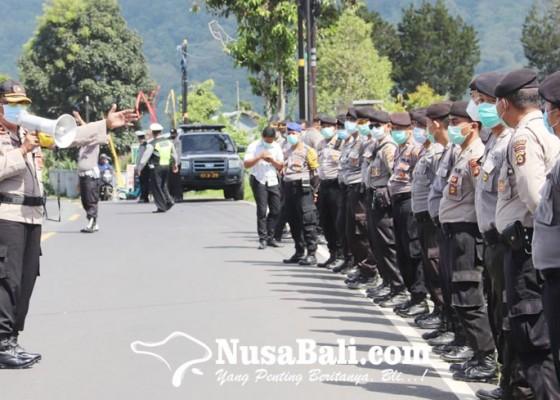 Nusabali.com - cegah-kerumunan-polisi-dirikan-pos-sekat-di-perbatasan