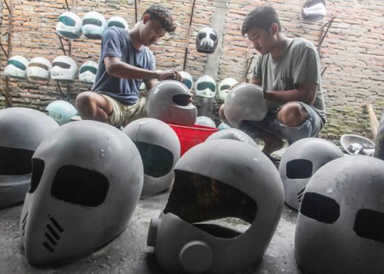 Nusabali.com - pembuatan-helm-kustom-kualitas-ekspor
