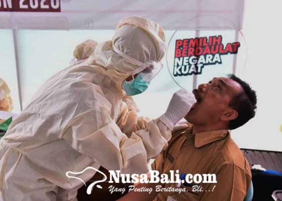 Nusabali.com - jelang-coblosan-kpu-karangasem-dan-jajaran-jalani-uji-swab