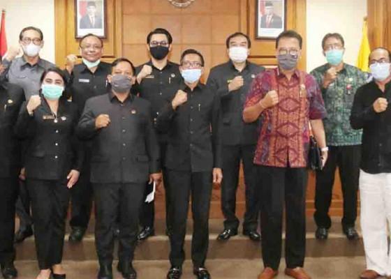 Nusabali.com - komisi-iii-dprd-badung-gelar-rakor-dengan-opd-dan-phri