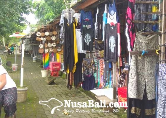 Nusabali.com - buka-kios-sambil-majejahitan