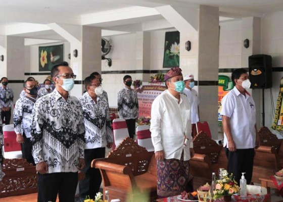 Nusabali.com - walikota-rai-mantra-buka-konferensi-kota-pgri-denpasar