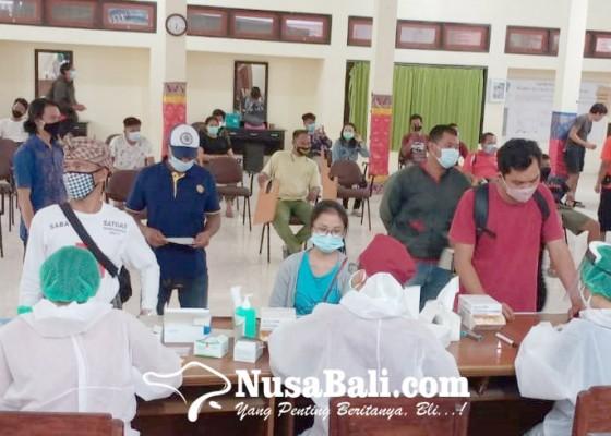 Nusabali.com - jelang-pilkada-ribuan-petugas-kpps-dirapid-test-massal