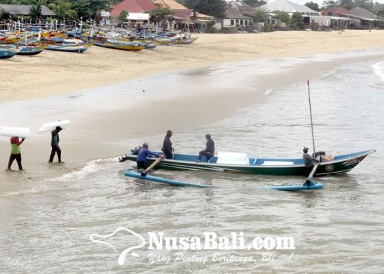 Nusabali.com - pandemi-nelayan-udang-di-kedonganan-merugi