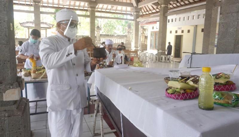 www.nusabali.com-30-jenazah-telantar-dikremasi-massal