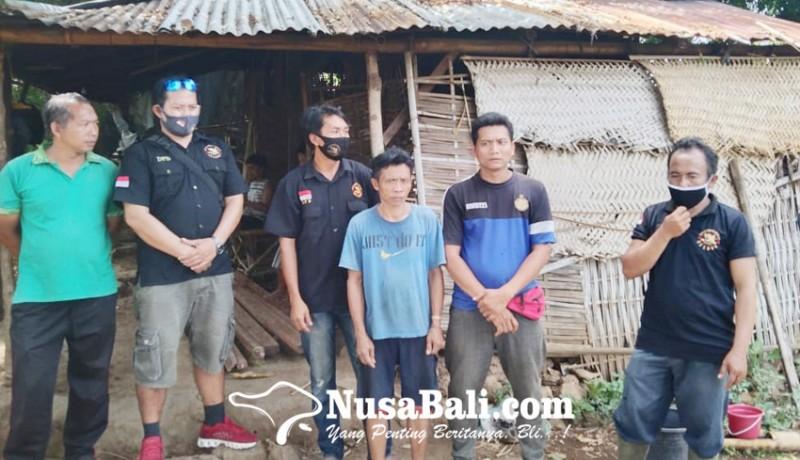 www.nusabali.com-yayasan-english-corner-desa-sidetapa-bedah-rumah-warga