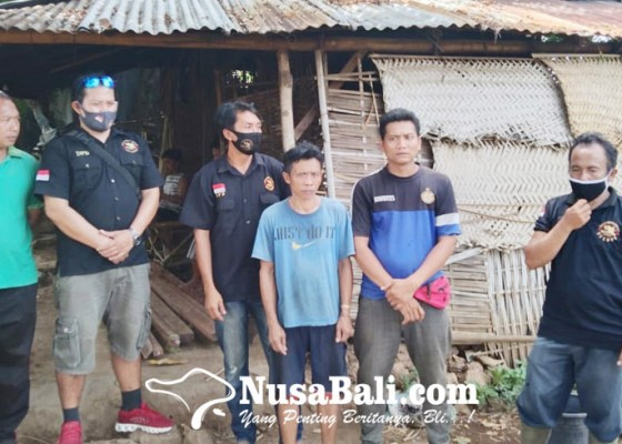 Nusabali.com - yayasan-english-corner-desa-sidetapa-bedah-rumah-warga
