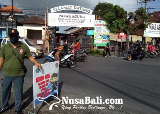Nusabali.com - sidak-disiplin-pemakaian-masker-di-desa-adat-peguyangan-kangin-denpasar-utara