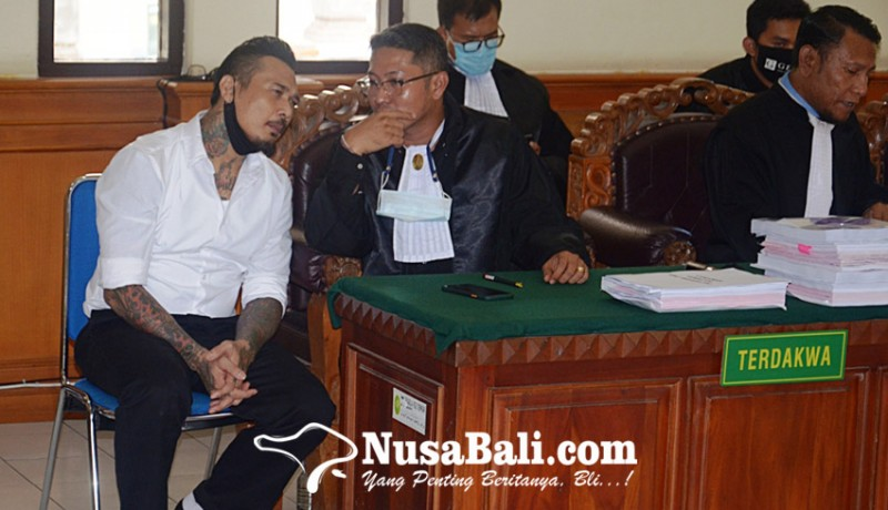 www.nusabali.com-memelas-jerinx-minta-dihukum-percobaan