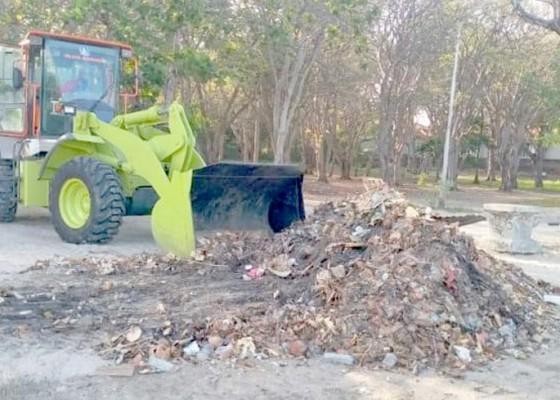 Nusabali.com - antisipasi-sampah-kiriman-dinas-lhk-siagakan-600-petugas-kebersihan