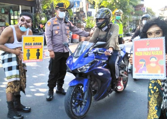 Nusabali.com - bondres-polisi-imbau-warga-taat-proses