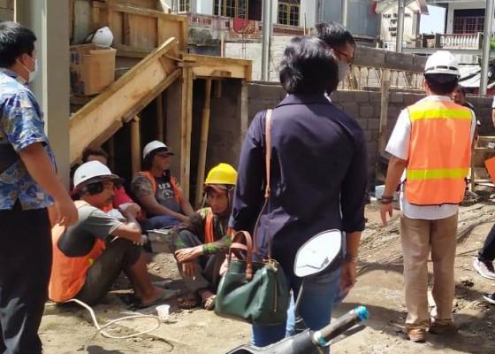 Nusabali.com - progres-proyek-revitalisasi-pasar-pupuan-baru-43-persen