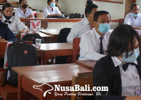 Nusabali.com - peserta-seminar-presentasikan-hasil-ptk