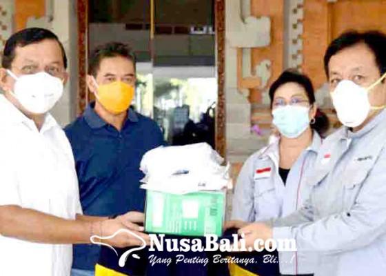 Nusabali.com - satgas-covid-19-buleleng-terima-bantuan-apd