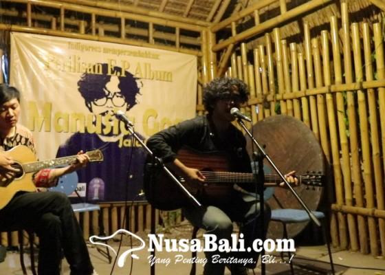 Nusabali.com - manusia-goa-persembahkan-jalan-raya