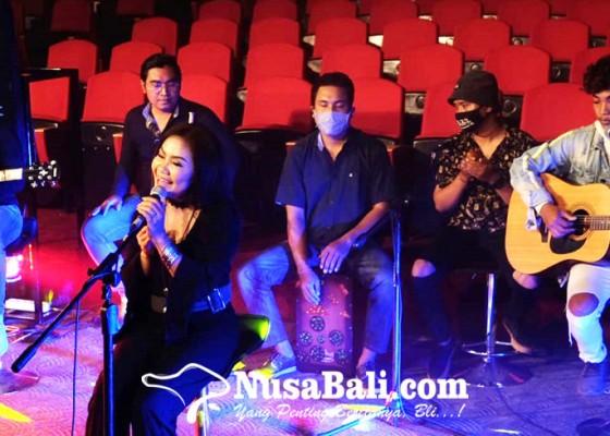 Nusabali.com - denpasar-young-kreatif-berdayakan-seniman