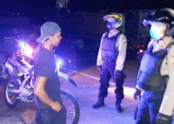 Nusabali.com - tim-patroli-biru-ikut-sosialisasikan-covid-19