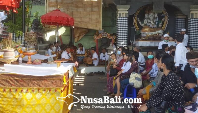 www.nusabali.com-maestro-seni-i-made-wianta-dikremasi