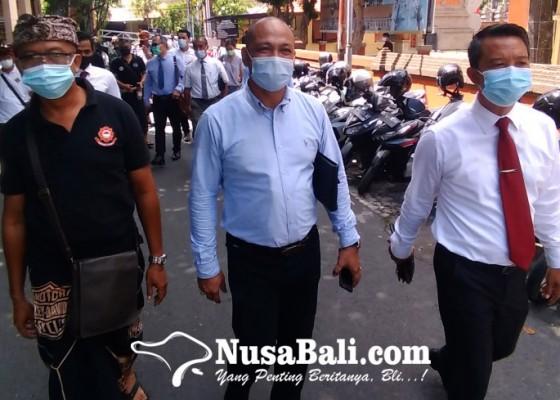 Nusabali.com - tanyakan-kasus-awk-tim-hukum-krb-datangi-polda-bali