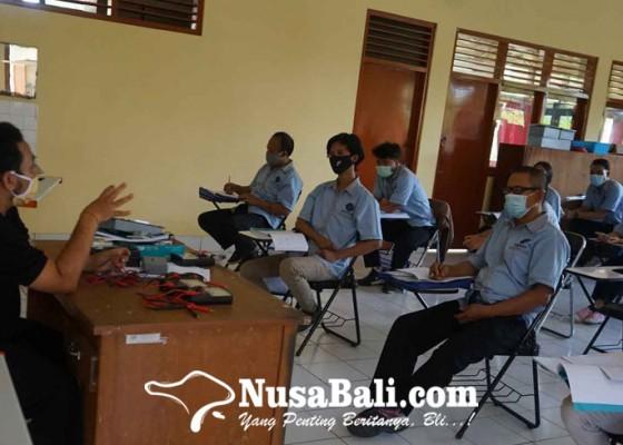 Nusabali.com - disnaker-lanjutkan-7-paket-pelatihan