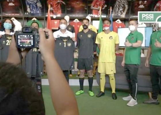 Nusabali.com - jersey-ketiga-timnas-warna-hitam