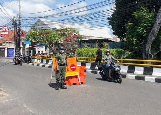 Nusabali.com - kendaraan-roda-4-kerap-melanggar-jalan-nakula-legian-dipasangi-barrier