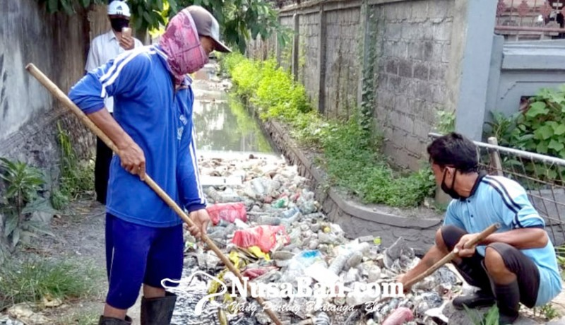 www.nusabali.com-hujan-dua-hari-hasilkan-15-ton-sampah