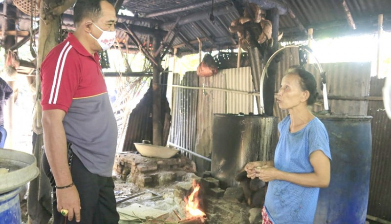 www.nusabali.com-warga-besan-konsisten-produksi-arak