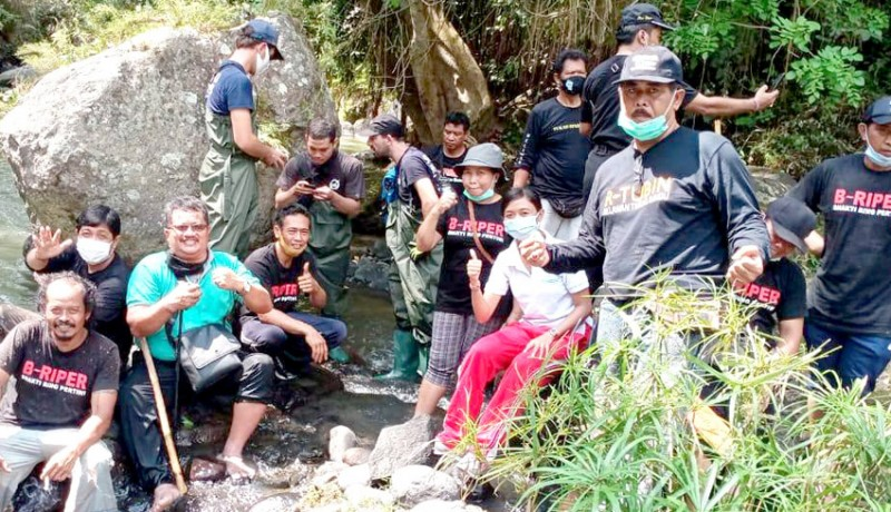 www.nusabali.com-300-kg-sampah-dipungut-di-tukad-yeh-sungi