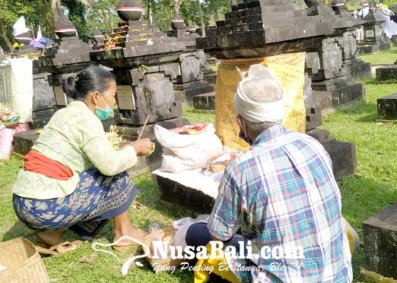 Nusabali.com - hut-puputan-margarana-keluarga-pejuang-gelar-tradisi-mamunjung