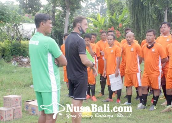 Nusabali.com - empat-pelatih-lisensi-d-direkom-lebih-tinggi