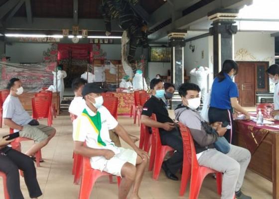 Nusabali.com - rapid-test-720-kpps-dan-petugas-ketertiban-di-badung-reaktif