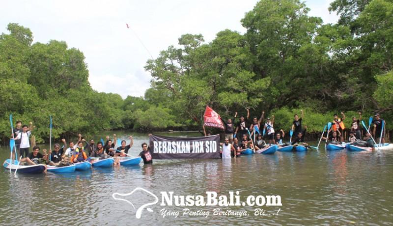 www.nusabali.com-bobby-kool-dan-simpatisan-jerinx-peduli-mangrove
